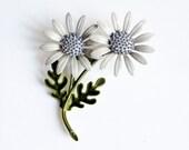 Gray Double Daisy Brooch / Vintage Enamel Metal Pin