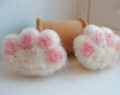 Cat Lover - Fuzzy Cat paw magnets - Needle felted minatures