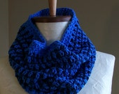 blue striped cowl // crochet neckwarmer // circle scarf // 100 percent cotton