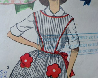 60s One Yard Aprons Pattern Simplicity 3702 One Size