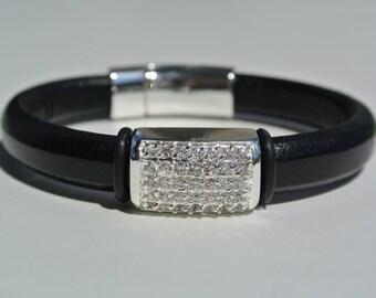 Regaliz Leather Bracelet - Swarovski Bling - Black Leather