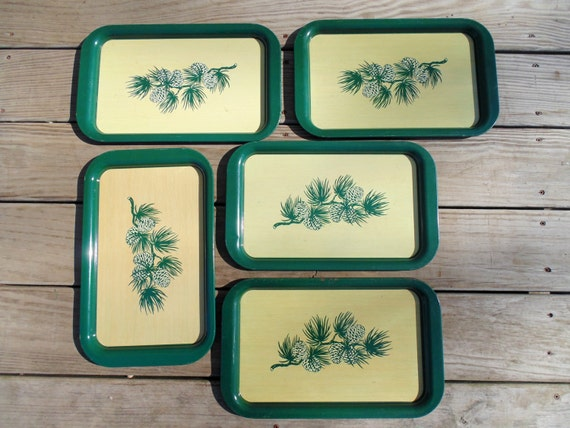 5 matching tin trays Mid Century 1950's METAL SERRVING TRAYS or wall plaques green forest pinecones
