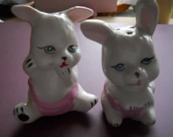 Bunny Rabbit Salt and Pepper Shakers - Vintage, Collectible