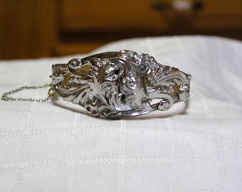 Vintage Whiting Davis Silver tone swirls Leaves hinged chain guard bracelet