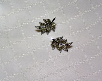 Sarah Coventry delicate Bridal rhinestone stem and leaves clip earrings