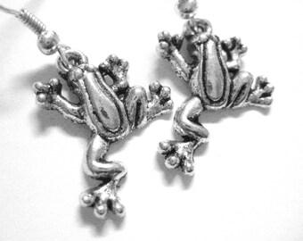 Silver Frog Earrings - Sterling Silver Frog Jewelry - Tree Frog - Frog Gift - Rain Forrest Animal Earrings - Amazon Earrings 064