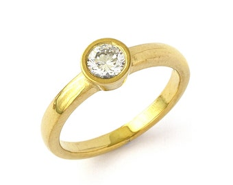 Low Profile Diamond Engagement Ring in 18k Yellow Gold