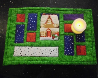 Holiday applique mug rug