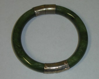 Vintage Chinese Round Spinach Jade Hinged Bangle Bracelet with Gilt Silver Hardware