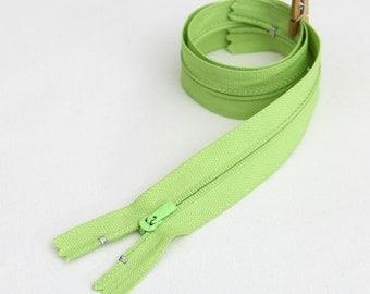 50cm (19.5 inches) zipper 55284-2 apple green