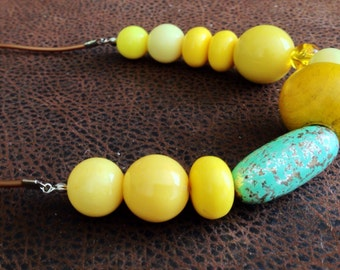 Canary and eggshell beads pendant necklace