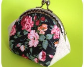 FREE SHIPPING - Handmade coin purse in rose pattern