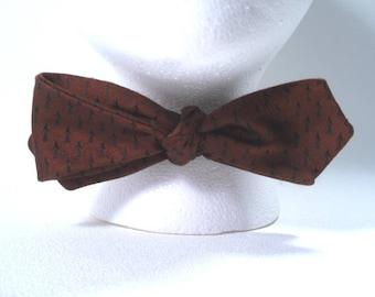 Sale 25% Off Use Coupon Code SAVE25 // Silk Bowtie Brown Arrow Pattern Adjustable Vintage 50s