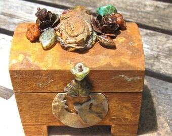 rusty rustic bear goddess mini totem box