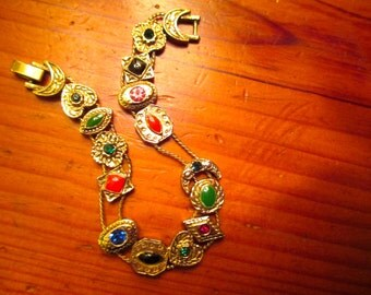 Unusually Pretty VICTORIAN Gold Plate, Embossed, GOLDETTE SLIDER Charm Vintage Bracelet W/14 Charms