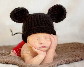 Newborn or 0-3 months  baby Mickey Mouse inspired  diaper   cover hat set crochet Newborn photo props photography boy girl
