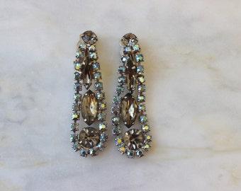 50s Rhinestone Grey Blue Green Aurora Borealis Drop Earrings Clip