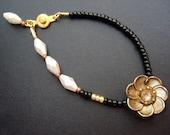 Gloria, A Sunshine Bracelet / Black Series
