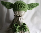 Yoda inspired hat and booties