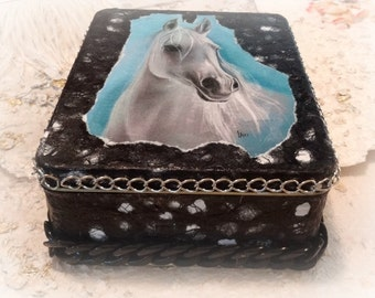 Cookie Tin, Altered Tin Box, Accessory Box, Keepsake Box, Treasure Box,  Decorated Box, Stash Box, Jewelry Box, Stationary Box, Horse Lover