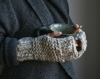 Knit Wrist warmers, Handwarmers, Fingerless Gloves // Oatmeal // THE FOREST WALK