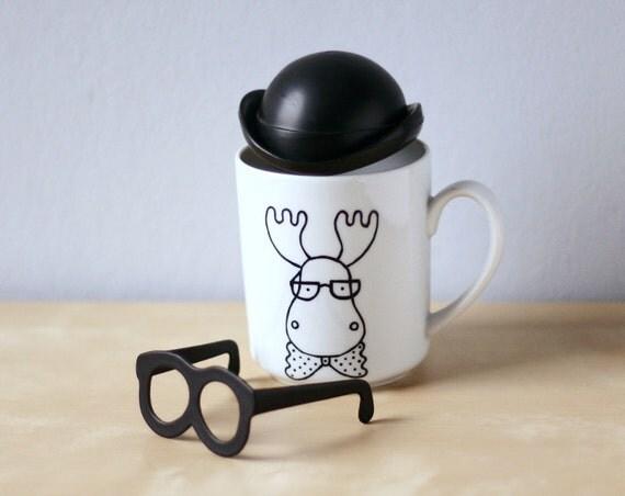 Image du produit Tasse Cerf avec un noeudpapillon et des lunettes Tasse caf Caribou