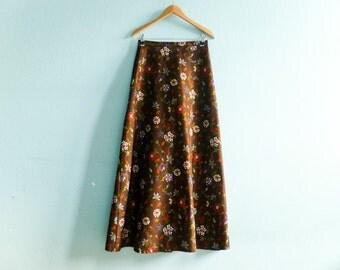 Vintage maxi skirt / brown / floral / high waist skirt / a line / fall autumn / boho hippie / 1970s 70s / maxi long / medium