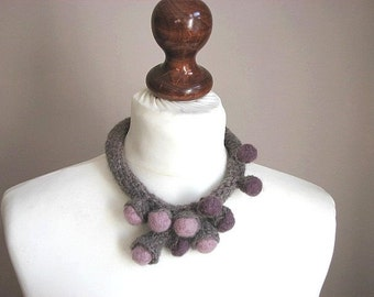 Fine Art  Garden - Crochet Wool Necklace OOAK