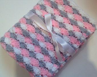 Shell baby blanket crochet white light gray light pink blanket
