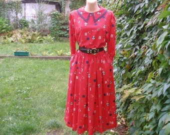 Pretty Long Dress Vintage / Full / Silky Poly / Side Pockets / Red / BLack / White / Size UK14 / 16 / EUR42 / 44