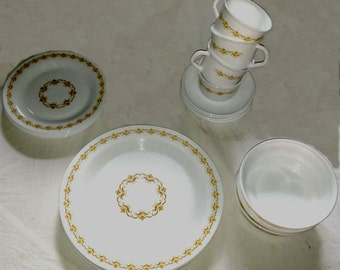 Lovely Vintage French Arcopal Dish Set - Serving for (4) Made in France