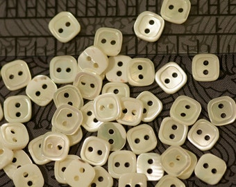 Package of 12 Pearl Buttons