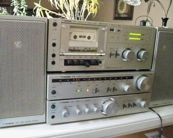 Almost Mint Vintage 1980's Stereo System Made in Japan by Teknika