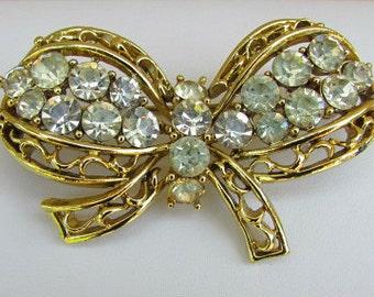 vintage 50s coro gold tone rhinestone bow pin brooch patent pending