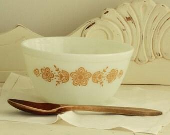 "7"" PYREX  BOWL - Vintage Milk Glass Bowl - Kitchenware Bowl - Collectible Serving Ware - Glass Mixing Bowl"