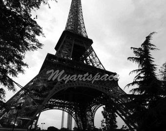 Eiffel Tower Paris art, Wanderlust Paris, Retro Black white Eiffel Tower Paris Photography, Paris Home Decor, Symbolic Paris Wall Art