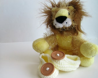 Crochet Baby Booties - Vanilla Cream Off White with Camel Tan Brown Button - 3 to 6 Months