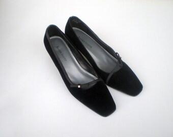 Vintage Velvet Pumps Shoes Heels / Black Square Toe Formal Wedding Party Mad Men Jackie O style Rhinestone Bow Detail / US 7 Euro 37 38 UK 5