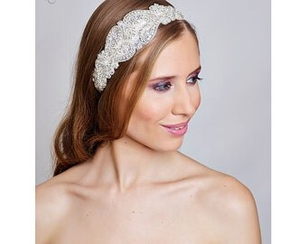 Vintage style wedding bridal crystal head piece