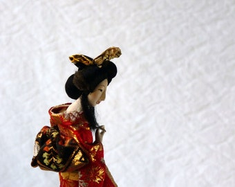 Japanese geisha doll, Yamato Ningyo oyster shell doll in red brocade kimono