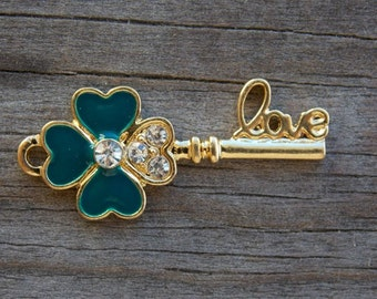 2 Gold Clover Key Pendants 3.2cm Skeleton Key with Love and Shamrock
