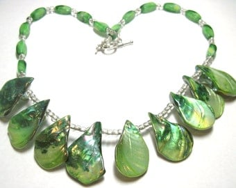 """18"""" Green Shell and Glass Bead Stunning Statement Necklace Mermaid"""