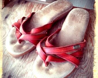 SUNJUNS   ///    Leather Flip Flops