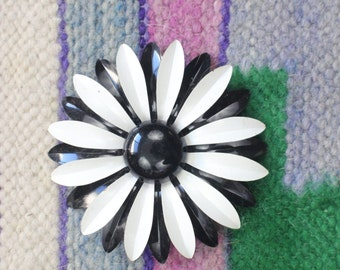 1960's Flower Brooch / Vintage Jewelry / Black and White Pin