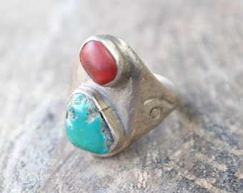 Men's Ring / Vintage 1970's Jewelry / Turquoise and Coral Eye Ring