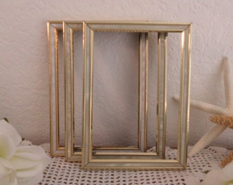 Vintage Ornate White Gold Metal Frame 3.5 x 5 Wedding Decoration Paris Chic French Country Shabby Chic Cottage Home Decor