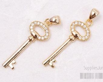 P417-02-G// Glossy Gold Plated Cz Key Pendant, 1pc