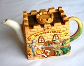 Vintage Teapot The George and Gragon Traditional English Great Condition Excellent Gift or Addition to Your Collection