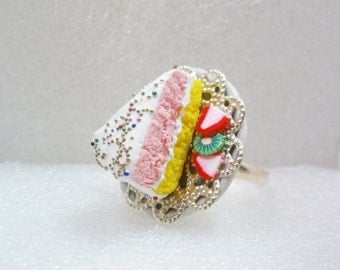 Slice Of Cake Ring. Polymer clay.