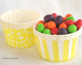 Yellow STripe and Yellow Dot-NuT/CANDy/PoRTiON CuPS-25 ct-parties-snacks-cupcakes